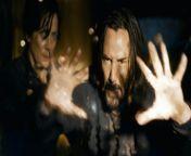 """MATRIX RESURRECTIONS Film Trailer HD - Die visionäre Filmemacherin Lana Wachowski präsentiert mit """"Matrix Resurrections"""" den lang erwarteten vierten Teil der wegweisenden Filmreihe, die ein ganzes Genre neu definiert hat. Der neue Film führt die Original-Hauptdarsteller Keanu Reeves und Carrie-Anne Moss in ihren legendären Rollen als Neo und Trinity wieder zusammen. <br/><br/>In weiteren Rollen spielen Yahya Abdul-Mateen II (""""Candyman"""", """"Aquaman""""-Franchise), Jessica Henwick (TV-Serie """"Marvel's Iron Fist"""", """"Star Wars – Episode VII: Das Erwachen der Macht""""), Jonathan Groff (""""Hamilton"""", TV-Serie """"Mindhunter""""), Neil Patrick Harris (""""Gone Girl – Das perfekte Opfer""""), Priyanka Chopra Jonas (TV-Serie """"Quantico""""), Christina Ricci (TV-Serien """"Escaping the Madhouse: The Nellie Bly Story"""", """"The Lizzie Borden Chronicles""""), Telma Hopkins (TV-Serie """"Dead to Me""""), Eréndira Ibarra (Serien """"Sense8"""", """"Ingobernable""""), Toby Onwumere (TV-Serie """"Empire""""), Max Riemelt (Serie """"Sense8""""), Brian J. Smith (Serien """"Sense8"""" """"Treadstone"""") und Jada Pinkett Smith (""""Angel Has Fallen"""", TV-Serie """"Gotham""""). <br/><br/>Lana Wachowski führte Regie nach einem Drehbuch von Wachowski, David Mitchell und Aleksandar Hemon. Das Script basiert auf Figuren, die The Wachowskis geschaffen haben. Produziert wurde der Film von Grant Hill, James McTeigue und Lana Wachowski. Als ausführende Produzenten wirkten Garrett Grant, Terry Needham, Michael Salven, Jesse Ehrman und Bruce <br/><br/>Berman mit. Zu Wachowskis Kreativteam hinter den Kulissen gehörte eine Reihe von """"Sense8""""-Mitstreitern – namentlich die Kameraleute Daniele Massaccesi und John Toll, die Produktionsdesigner Hugh Bateup und Peter Walpole, Editor Joseph Jett Sally, Kostümdesignerin Lindsay Pugh, Visual Effects Supervisor Dan Glass sowie die Komponisten Johnny Klimek und Tom Tykwer. <br/><br/>Warner Bros. Pictures präsentiert in Zusammenarbeit mit Village Roadshow Pictures und Venus Castina Productions: """"Matrix Resurrections"""". Den weltweiten Verleih übern"""