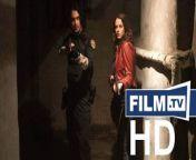 Resident Evil: Welcome to Raccoon City Trailer Deutsch German (Paul W. S. Anderson, Robert Kulzer, Martin Moszkowicz, Victor Hadida, Hartley Gorenstein, James Harris - OT: Resident Evil: Welcome to Raccoon City)<br/>▶ Abonniere uns! https://www.film.tv/go/abo<br/>Kinostart: 25.11.2021<br/>Alle Infos: https://www.film.tv/go/55201<br/><br/>Like uns auf Facebook: https://www.facebook.com/film.tv<br/>Folge uns auf Twitter: https://twitter.com/filmpunkttv<br/>Abonniere uns bei Instagram: https://www.instagram.com/film.tv<br/>Nichts mehr verpassen mit unserem kostenlosen Messenger Abo: https://www.film.tv/go/34118<br/>Ganzer Film bei Amazon: https://www.amazon.de/gp/search?ie=UTF8&keywords=Resident+Evil:+Welcome+to+Raccoon+City+Trailer&tag=filmtvde-21&index=blended&linkCode=ur2&camp=1638&creative=6742<br/><br/>Die Geschichten um die Resident Evil Videospiele wird noch einmal neu und von Anfang an erzählt. Dieses Mal will man es richtig machen und dichter an den Spielen dran bleiben. Neuer Trailer: Resident Evil: Welcome to Raccoon City.Inhalt: Die Geschichten um die Resident Evil Videospiele wird noch einmal neu von Anfang an erzählt - und dieses Mal will man es richtig machen und dichter an den Spielen dran bleiben.Schauspieler: Kaya Scodelario, Robbie Amell, Hannah John-Kamen, Neal McDonough, Tom Hopper, Avan Jogia, Donal Logue, Marina Mazepa, Lily Gao, Holly de Barros, Chad Rook, Janet Porter, Josh Cruddas, Sammy Azero, Nathan Dales, Dylan Taylor, Lauren Bill, Jenny Young, Matthew MacCallum, Pat Thornton, Carson Manning, Pamela MacDonald, Stephannie Hawkins, Nathaniel McParland, Aleks Alifirenko Jr., Kelly Reich, Darren W. Marynuk, Jason Lee Bell, Amy Szoke